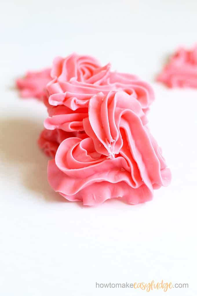 2-ingredient pink fudge hearts close-up image