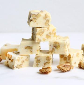 maple walnut fudge, easy no-bake dessert